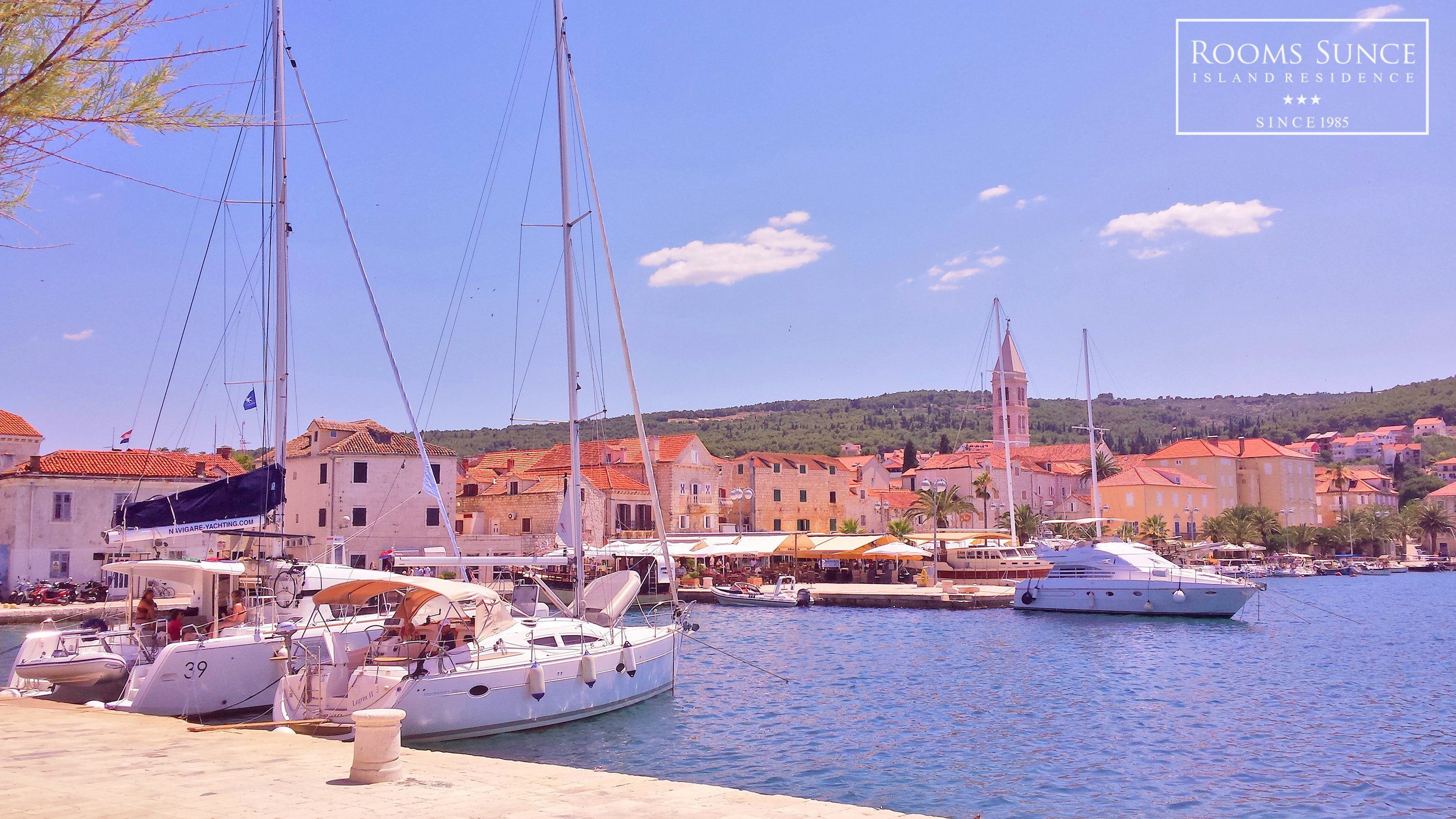 The port of Supetar offers you the opportunity to enjoy in your morning coffee by the Adriatic sea and buy fresh fish, fruits and mediterranean delicacies at the local farmers market in Supetar. Promenade is about 10 minutes walk from our Rooms and Apartments in Supetar.